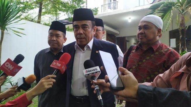 87694 menteri agama fachrul razi melayat ke rumah almarhum gus sholah