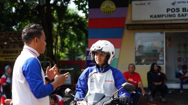 98383 kampung safety riding