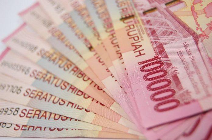 stockvault 100 thousand rupiah100505 1024x679 1