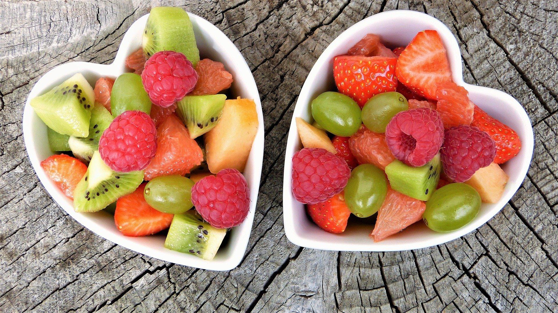 fresh fruits 2305192 1920